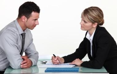 Chaque année, le manager ou le chef d'entreprise se livre à un exercice de style particulièrement compliqué à savoir l'entretien annuel. Il s'agit d'un échange avec chaque employé dans le but d'évaluer leur performance et leur lacune. L'entretien annuel peut devenir une source de frustration autant pour le manager que pour les employés en raison […]