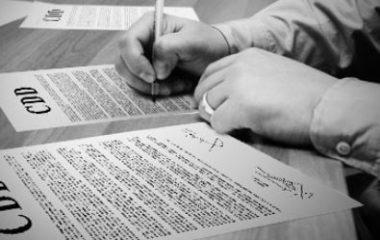 Le contrat à durée déterminée est un type de contrat très courant dans le monde de l'emploi. Lorsque le postulant est recruté pour un nouveau post, le contrat CDD doit lui être envoyé dans un délai de rigueur de deux jours ouvrables. Et pourtant, il est communément remarqué que ce n'est pas toujours le cas. […]