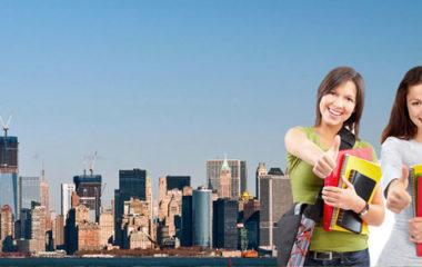 Vous rêvez d'étudier aux États-Unis ? Inscrivez-vous à l'université de votre choix pour concrétiser votre rêve américain. Pour ce faire, découvrez les démarches à effectuer pour boucler votre inscription ainsi que votre séjour aux USA.
