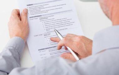 Parce qu'aujourd'hui, trouver un travail est plus important que jamais, tous ceux qui sont en quête d'un poste doivent apporter un soin particulier à leur CV. Bien sûr, ce document a toujours été très utile, c'est le premier document qui vous présente à un recruteur, qui vous introduit en quelque sorte. Mais sa valeur a […]