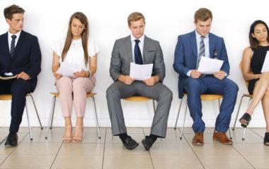 Si vous êtes en ce moment à la recherche d'un emploi et que vous postulez dans une entreprise, vous devez nécessairement passer par la case entretien d'embauche. Est-ce que vous appréhendez cette partie ? Rassurez-vous, une telle peur est tout à fait normale. Cependant, savoir ce qui va s'y passer peut vous aider à être […]